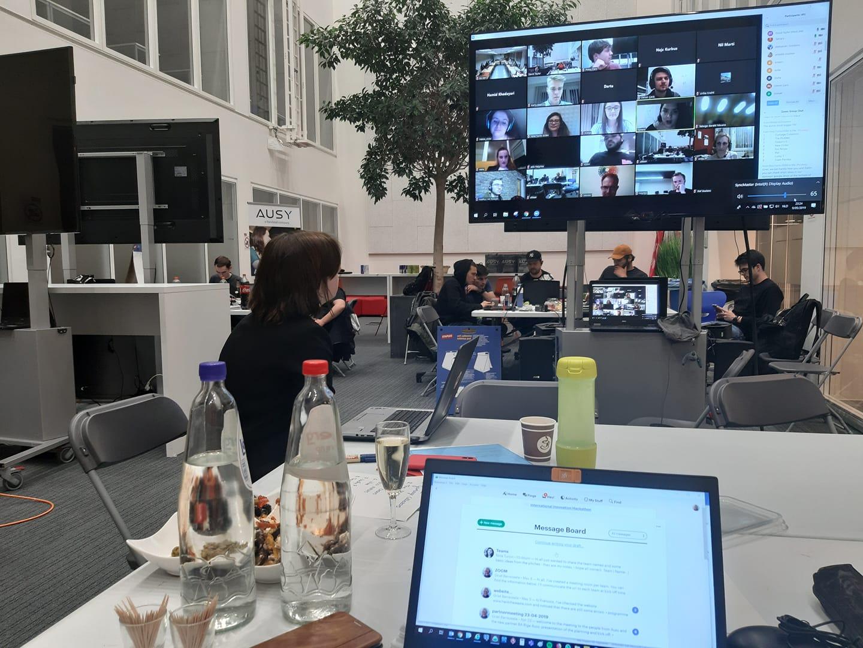 Udeleženci na mednarodnem Hackathonu