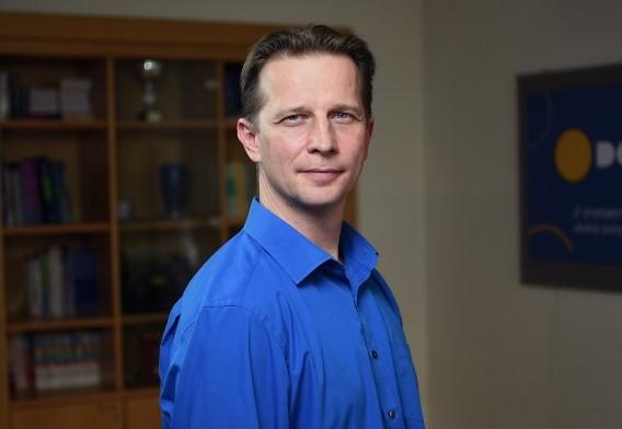 Naj učitelj v dodiplomskih programih DOBA Fakultete je izred. prof. dr. Andrej Kovačič